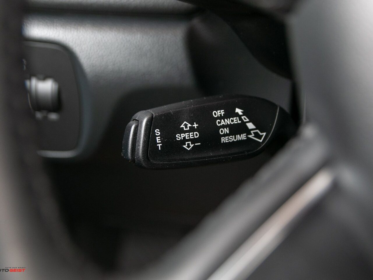AUDI-Q3-benzina-s-tronic-3060