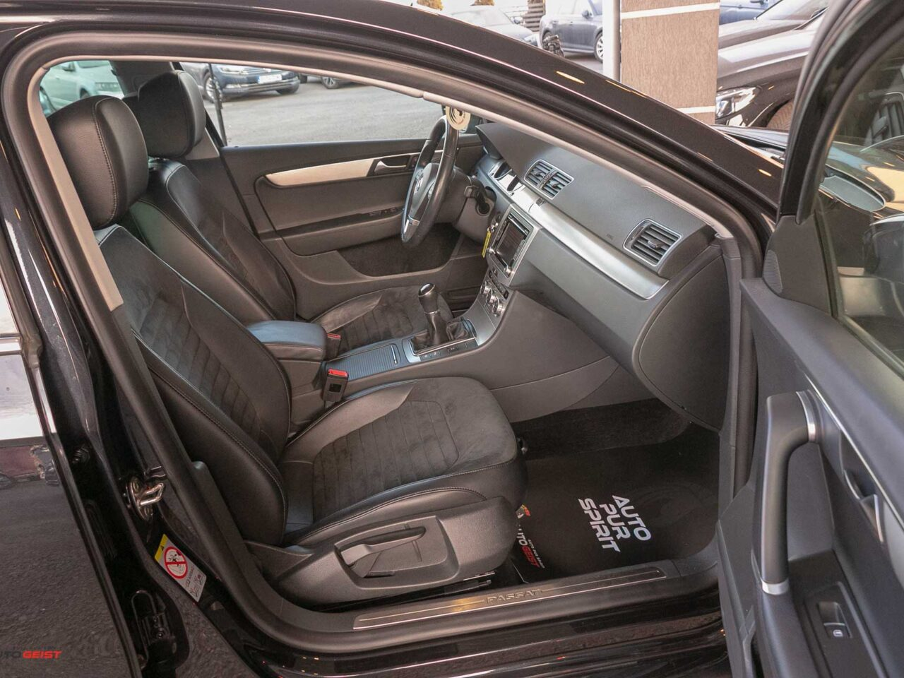 VW-PASSAT-B7-webasto-piele-negru-3700
