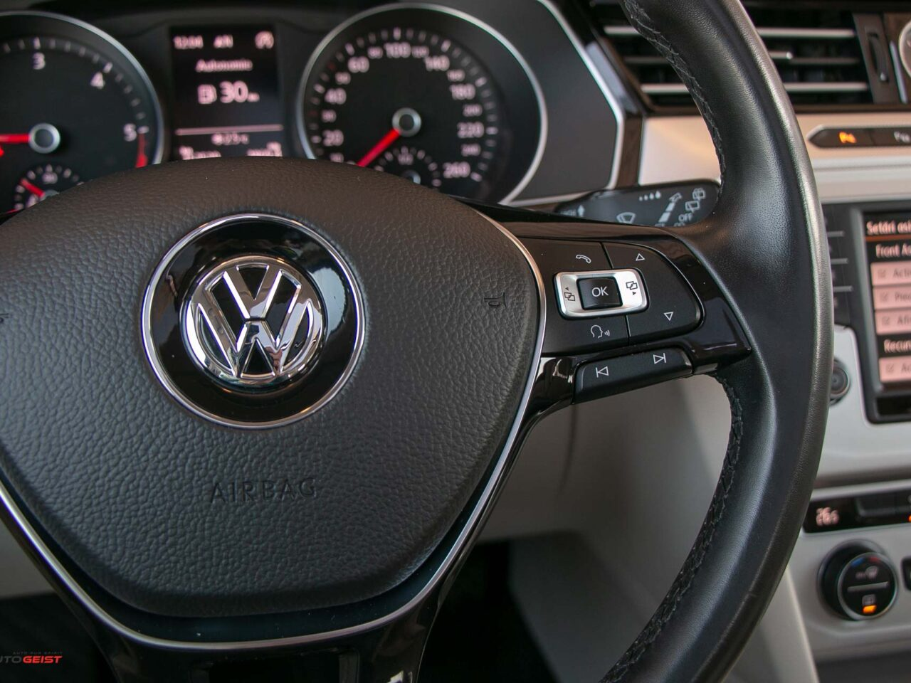 VW-PASSAT-break-panoramic-4516