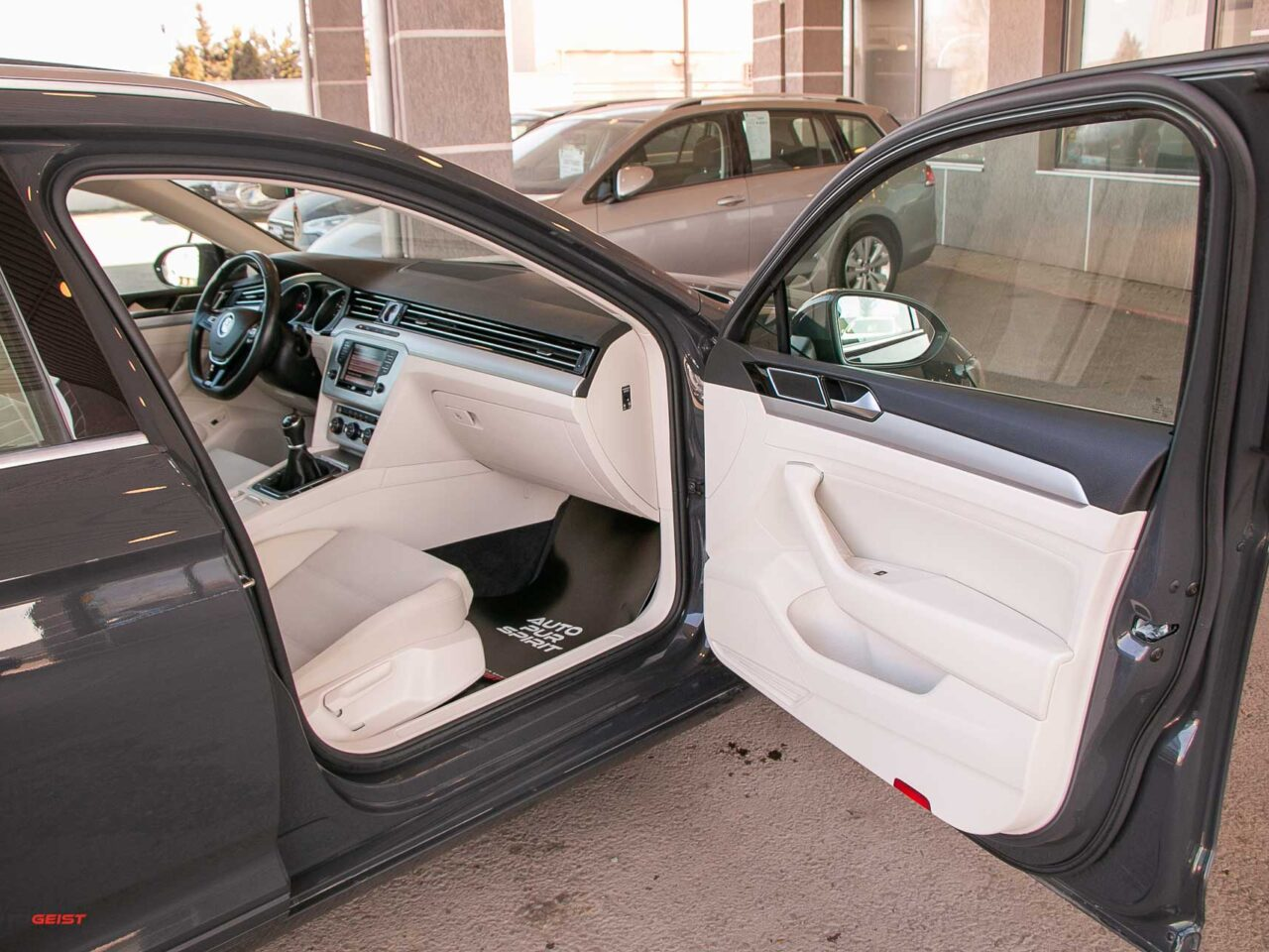 VW-PASSAT-break-panoramic-4526