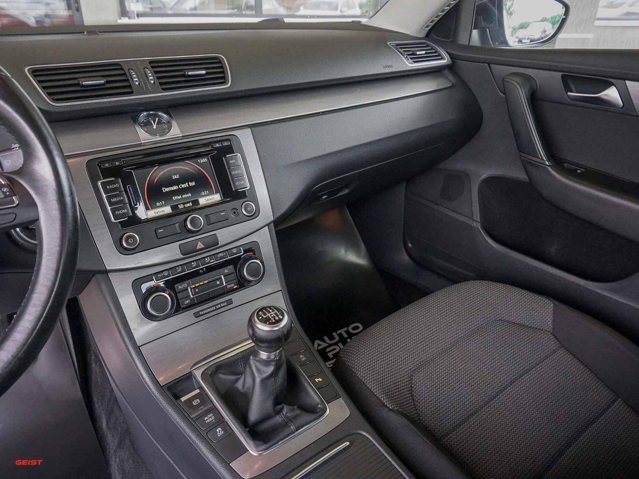 volkswagen-passat-b7-berlin-manual-00156