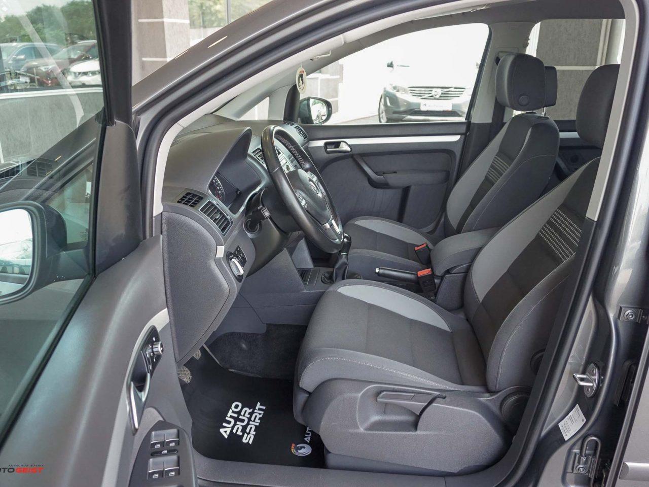 661-volkswagen-touran-gri-manual-01833