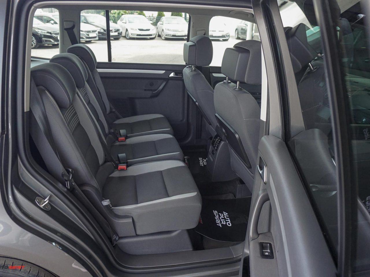 661-volkswagen-touran-gri-manual-01835