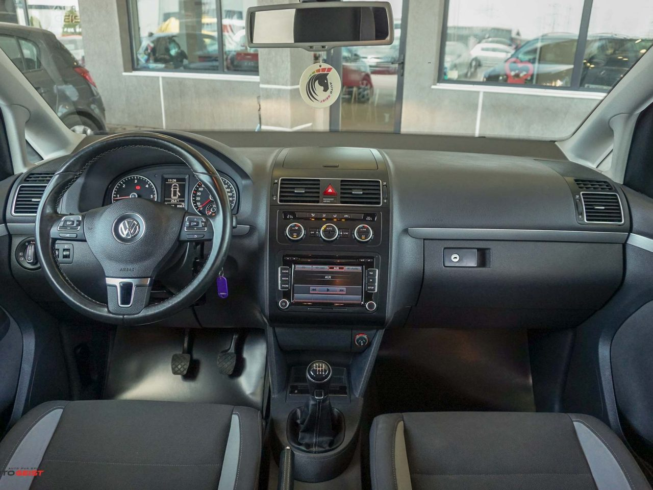 661-volkswagen-touran-gri-manual-01836
