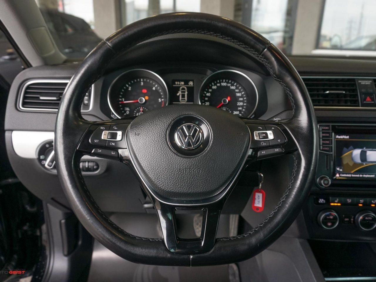 volkswagen-jetta-negru-1345-03328