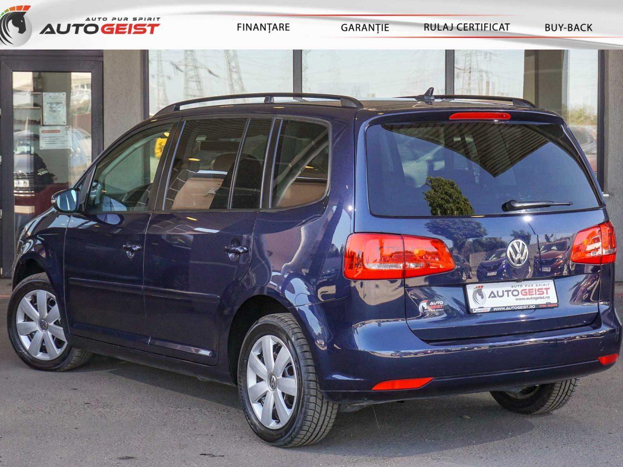 volkswagen-touran-albastru-at-659-03003